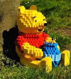 Legos Pooh, Oh, silly old bear.
