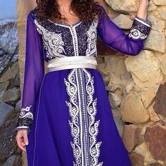 Voici des nouveaux modèles très chics de takchita et caftan Marocain 2016 en couleur Bleu spécialement sélectionnés pour toutes nos fans et...