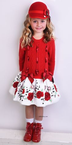 ALALOSHA: VOGUE ENFANTS: Must Have of the Day: Flowers and bows, Little Darlings are truly unique!