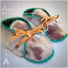 Baby's First Couture Mocs Toddler Moccasins, Baby Moccasins, Baby Moccasin Pattern, Clothing Hacks, Kids Clothing, Western Babies, Indian Shoes, Beaded Moccasins, Baby Slippers