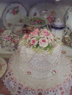 (CoraBelle) SHABBY COTTAGE PINK ROSE DECORATED FAKE CAKE CHARMING!!