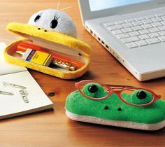 Animal Face Glasses Case / Check out these adorable glasses cases from Gizmine! Keep your glasses inside or on top and enjoy sharing your desk with your favorite animal. http://thegadgetflow.com/portfolio/animal-face-glasses-case-28/