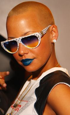 Feeling Blue: How to Pull Off Blue Lipstick (Yes, It's Actually Possible!)