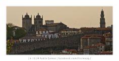 "A Sé, a Torre dos Clérigos e a muralha fernandina / La Catedral, la Torre de los ""Clérigos"" y la muralla ""Fernandina"" / The Cathedral, ""Clérigos"" tower and ""Fernandina"" walls [2013 - Porto / Oporto - Portugal] #fotografia #fotografias #photography #foto #fotos #photo #photos #local #locais #locals #cidade #cidades #ciudad #ciudades #city #cities #europa #europe #baixa #baja #downtown #igrejas #iglesias #nasoni @Visit Portugal @ePortugal @WeBook Porto @OPORTO COOL @Oporto Lobers"
