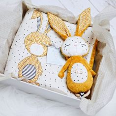 Timestamps DIY night light DIY colorful garland Cool epoxy resin projects Creative and easy crafts Plastic straw reusing ------. Sewing Projects For Kids, Sewing For Kids, Crafts For Kids, Rabbit Toys, Bunny Toys, Baby Design, Handmade Baby, Handmade Toys, Handgemachtes Baby