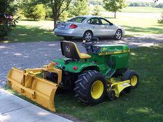 John Deere 400 John Deere Garden Tractors, Yard Tractors, Small Tractors, Tractor Mower, Compact Tractors, Lawn Mower, John Deere 400, John Deere Toys, John Deere Equipment