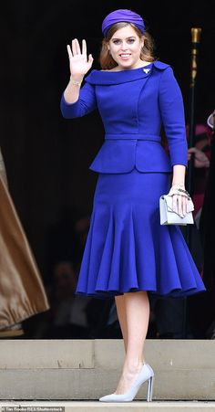 Princess Beatrice looked chic in a royal blue suit skirt as she arrived at younger sister Eugenie's wedding at St George's Chapel Windsor Castle Latest African Fashion Dresses, African Dresses For Women, African Print Fashion, African Attire, African Wear, Royal Blue Suit, Blue Suits, Blue Suit Wedding, Wedding Groom
