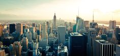 Planning a trip to New York City? Discover the best things to do in New York City, hand-picked by a native! Make your trip to NYC memorable. Manhattan New York, Manhattan Real Estate, Lower Manhattan, Ellis Island, Coney Island, Horizon New York, New York Pas Cher, Usa Immigration, Skyline Von New York