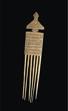 Africa   Hair comb from Ethiopia   Wood   c. mid 20th century