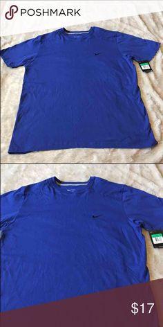 Men's Nike Regular Fit Tee Shirt Men's Nike Regular Fit Tee Shirt.  Size XL.  Price firm unless you bundle Nike Shirts Tees - Short Sleeve