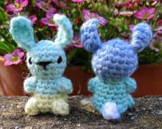 Whilst I was making the Little Teddies from the previous post, I realised it wouldn't take much turn them into little bunnies. They don'...