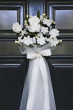 Les quiero compartir lo que sera mi adorno para la puerta el día de mi boda, creo que se acostumbra que la ponga el novio, pero en este caso yo la pondre ya que el vive lejos y no podria venir ni un dia antes ni el mero día, sobre todo para que no