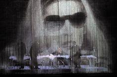 La nave de los locos: Hamlet: con un ojo risueño y el otro vertiendo llanto