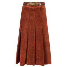 Gucci pleated suede skirt (€1.725) ❤ liked on Polyvore featuring skirts, brown, high-waisted skirts, mid length pleated skirt, high waisted knee length skirt, suede skirt and accordion skirt