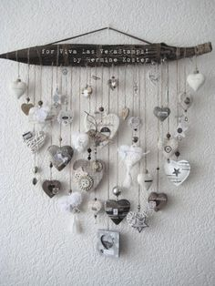 December daily project for Viva Las VegaStamps – Hermine's Place Carillons Diy, Diy Crafts, Diy Wind Chimes, Handmade Christmas Decorations, Heart Decorations, Valentine Decorations, I Love Heart, Happy Heart, Driftwood Crafts