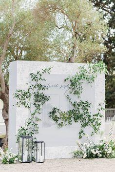 Romantic Wedding Receptions, Wedding Reception Seating, Wedding Reception Centerpieces, Seating Chart Wedding, Wedding Signage, Seating Charts, Wedding Decorations, Seating Arrangement Wedding, Floral Wedding