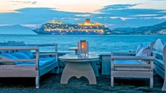 Foto del giorno: isola di Mykonos, Grecia - http://www.eannunci.com/blog/foto-del-giorno-isola-di-mykonos-grecia/ - #Grecia, #Isola, #Mykonos - L'isola di Mykonos fa parte dell'arcipelago delle Cicladi ed è sicuramente la più conosciuta delle isole della Grecia.Mykonos èl'isola della Grecia più chic, elegante e mondana! Le stradine in centro a Mykonos, gli aperitivi a Little Venice, i Mulini a Vento. Non solo popolo ...