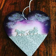 Hanging heart using Stampin Up framelits and some dazzling diamonds glitter ❤️