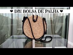 DIY BOLSA DE PALHA - YouTube Diy Purse Making, Crochet Christmas Gifts, Techniques Couture, Fashion Sketchbook, Diy Crafts Videos, Knitted Bags, Crochet Projects, Straw Bag, Wicker