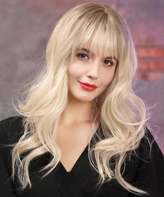 Fringe Hairstyles 2020 are considered an important new trend. This Year will be marked with comeback of fringe/bang hairstyles for Most of the Women use these wonderful fringe hairstyles 2020 to hide their age and look beautiful in Fringe Hairstyles, Hairstyles With Bangs, Trendy Hairstyles, Wig Styles, Long Hair Styles, See Through Bangs, Natural Waves Hair, Synthetic Lace Wigs, Wigs With Bangs