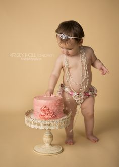 One Year-Old Girl Cake Smash Photography OMG WE gotta do this with Tori <3 @chula6906604 @sekcem
