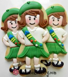 """The """"other"""" Girl Scout cookies. Almost too cute to eat...almost. I can't imagine having the patience to do this but I would so love to!"""