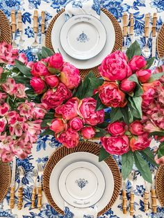 Bright, vibrant pinks and blues make this centerpiece a knockout! Summer Centerpieces, Floral Centerpieces, Floral Arrangements, Christmas Tables, Holiday Tables, Christmas Christmas, Beautiful Table Settings, Wedding Decorations, Table Decorations