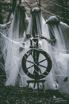 New dark art photography fantasy fairy tales 53 ideas Arte Obscura, Mystique, Witch Aesthetic, Forest Fairy, Magical Forest, Dark Photography, Dark Forest, Gods And Goddesses, Macabre