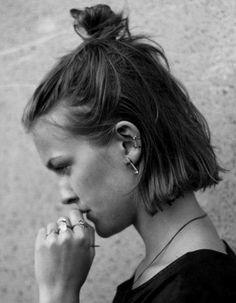 Cheveux fins half bun  - 30 coiffures pour les cheveux fins  - Elle