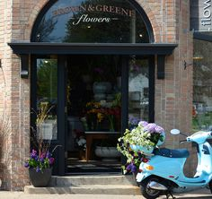 Minneapolis florist specializing in unique fresh flower arrangements for pick-up and delivery.