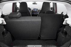 Fiat Mobi e Volkswagen Up! se enfrentam em versões com apelo ... carsale.uol.com.br. Tamanho da imagem: 680 × 453. Pesquisa por imagem. > Porta-malas, porém, tem capacidade de 235 litros