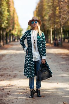Tell me about your outfit, what you are wearing? - Im wearing a coat from H&M, jeans from Just...