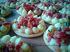 Aperi-crackers con maio e pancetta Crackers, Pancakes, Cheesecake, Pancetta, Breakfast, Mini, Desserts, Food, Morning Coffee