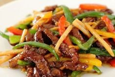 make veggie Easy stir . Beef strips, onions and peppers Easy Soup Recipes, Meat Recipes, Asian Recipes, Cooking Recipes, Healthy Recipes, Confort Food, Quick And Easy Soup, Salty Foods, Food Inspiration