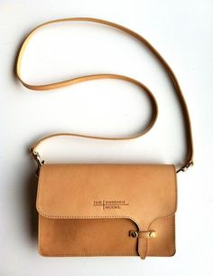 The Swedish Model bag - brands of designer handbags, women's purses and handbags, accessories handbags and purses My Bags, Purses And Bags, Leather Projects, Mode Inspiration, Mode Style, Leather Craft, Leather Bags, Leather Crossbody Bag, Tan Leather