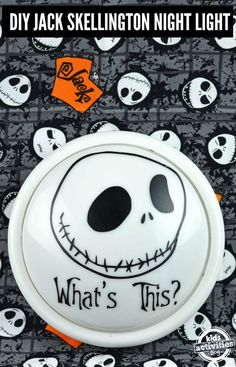 You can make your own Jack Skellington Night Light and help scare away the gouls that come out at night! Easy Halloween, Holidays Halloween, Halloween Treats, Halloween Projects, Halloween 2019, Halloween Party, Halloween Decorations, Diy Arts And Crafts, Cute Crafts