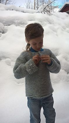 Ravelry: Minstemann pattern by Randi K Design Free Chunky Knitting Patterns, Knitting For Kids, Free Knitting, Baby Knitting, Knitted Baby, Jumper Patterns, Girls Jumpers, Baby Sweaters, Washing Clothes