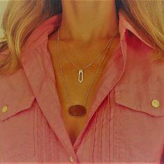 Owww!!! Olha o decote! Corrente com druza de agata e colar gravatinha, tudo em prata! #orubejoias #colar #silver #prata #jewelry #joiasartesanais