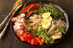 Taste of Beirut started in 2009 and its main purpose is to share my Lebanese heritage with the world through recipes, anecdotes, and cultural tidbits. Boiled Egg Diet, Boiled Eggs, Nicoise Salad, Cobb Salad, Lebanese Recipes, Middle Eastern Recipes, Beirut, Mediterranean Diet, Food