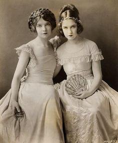 Lillian and Dorothy Gish, 1924. Publicity photo for 'Romola'.
