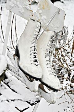 I used to LOVE to skate. I still have my skates, wish I could still skate. I Love Winter, Winter Fun, Winter Snow, Winter White, Winter Season, Winter Christmas, Ice Skating, Figure Skating, Yule