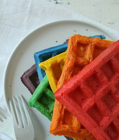 Rainbow Food Creations – A Round-Up of 13 Amazingly Beautiful Rainbow Foods – Housewives of Riverton – brunch Rainbow Pancakes, Pancakes And Waffles, Rainbow Food, Taste The Rainbow, Cute Food, Good Food, Yummy Food, Streusel Muffins, I Am Baker