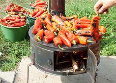 Kremast, sočan i savršen za hladne zimske dane. Macedonia, Feta, Salad Recipes, Carrots, Good Food, Food And Drink, Appetizers, Cooking Recipes, Canning