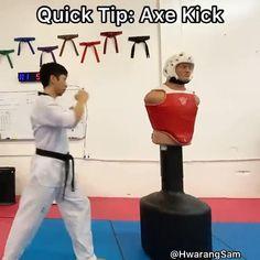 Techniques D'autodéfense, Taekwondo Techniques, Martial Arts Techniques, Self Defense Techniques, Fighter Workout, Mma Workout, Gym Workout Tips, Home Boxing Workout, Krav Maga Self Defense