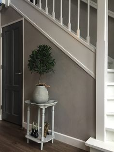Castle Stones, Floor Finishes, Painted Floors, Living Room Colors, Little Houses, Diy Bedroom Decor, Home Decor, Concrete, Sweet Home