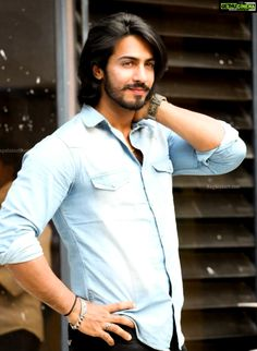 Thakur Anoop Singh  wallpaper  hd  hair style Actor Thakur Anoop Singh Latest Photoshoot Gallery Indian Hairstyles Men, Cool Hairstyles For Men, Haircuts For Men, Bollywood Girls, Bollywood Actress Hot, Hair And Beard Styles, Long Hair Styles, Mens Outdoor Fashion, Gents Hair Style