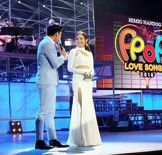 This is the handsome Robi Domingo and the pretty Kathryn Bernardo doing a hosting stint during Himig Handog P-Pop Love Songs Grand Finals held at the Kia Theater in Quezon City last April 24, 2016. Indeed, Kathryn and Robi are another of my favourite Kapamilyas, and they're amazing Star Magic talents. #KathrynBernardo #TeenQueen #RobiDomingo #KathRobi #HimigHandog2016 Child Actresses, Child Actors, Star Magic, Kathryn Bernardo, Quezon City, All Grown Up, Love Songs, Fashion Models, Abs