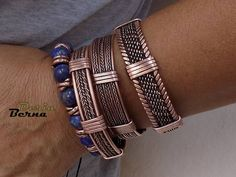 Men's quality gold jewelry is much more readily available than ever before. Learn what to look for when you want to buy a new piece of jewelry for yourself. Bracelets For Boyfriend, Bracelets For Men, Fashion Bracelets, Fashion Jewelry, Bracelet Men, Copper Wire Jewelry, Copper Bracelet, Men's Jewelry Rings, Mens Braids