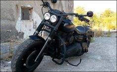 Best classic cars and more! Harley Fat Bob, Harley Davidson Fat Bob, Harley Davidson Forum, Harley Davidson Motorcycles, Custom Motorcycles, Motorcycle Garage, Motorcycle Art, Custom Street Bikes, Harley Dyna