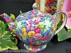 Beautiful Teapot. Love The Colors......